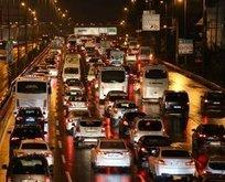 Yola çıkacaklar dikkat! İstanbul'da trafik felç