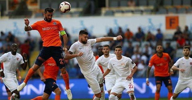 Medipol Başakşehirden Antalyaspora 4 gol!