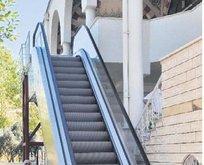 Camiye yürüyen merdiven