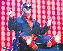 Elton şovunu yaptı