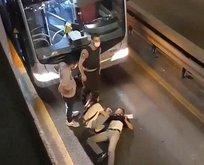 Metrobüs yoluna atladı