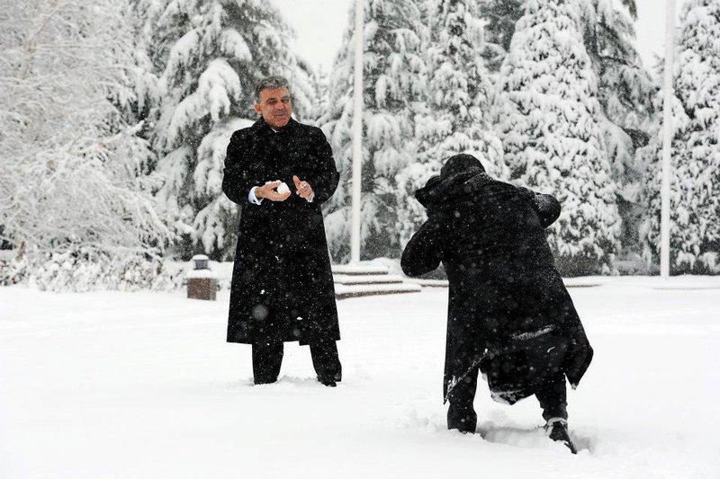 Cumnurbaşkanı Gülün kar keyfi