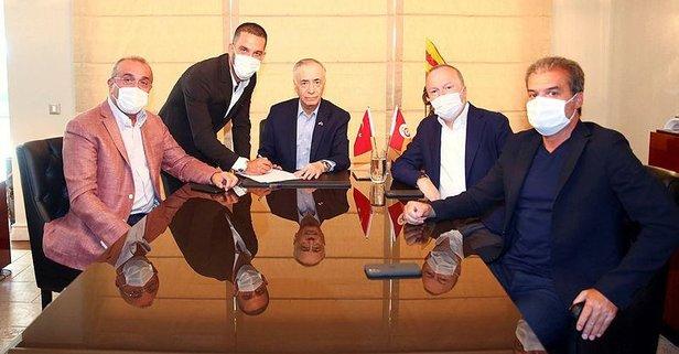 Arda Turan resmen Galatasaray'da!
