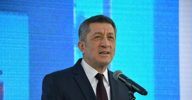 Bakan Selçuk'tan on binlerce öğrenciye tablet müdjesi
