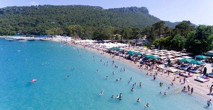Antalya'nın Kemer ilçesi pandemi döneminde 1 milyon 100 bin turist ağırladı