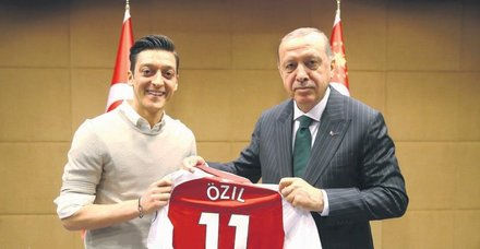 Erdoğan'dan Mesut Özil'in milli takımı bırakmasına destek: Irkçılığa herkes aynı tepkiyi gösterirdi