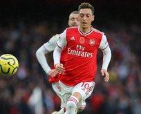 Mesut Özil'e darbe