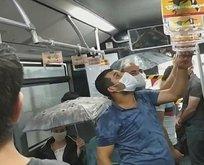 İstanbul bunu da gördü! Metrobüs içinde şemsiye