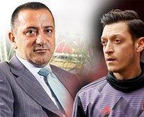 Mesut Özil'den Fatih Altaylı'ya gönderme