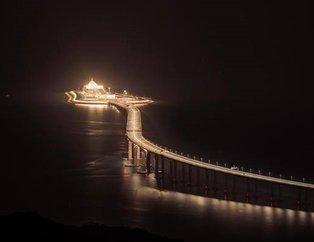 Dünyanın en uzun deniz köprüsü Zhuhai-Macau açıldı