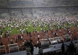 Maç bitti saha böyle karıştı