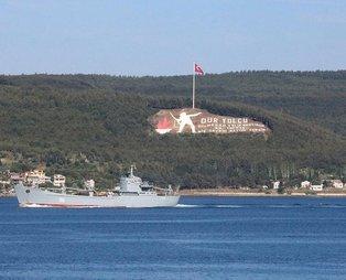 Son dakika: Rus savaş gemisi 'Saratov' Çanakkale Boğazı'ndan geçti