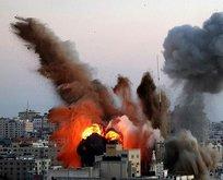 Siyonist İsrail yıkıyor!