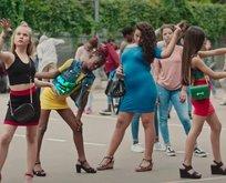 Netflix'in çocuk istismarı içeren Cuties filmiyle ilgili flaş gelişme