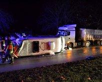 Çanakkalede feci kaza! Minibüs ile TIR çarpıştı