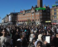 Müslümanlardan dikkat çeken yürüyüş!