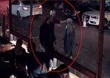 İstanbul Beşiktaş'ta şok olay! Kadın öğretmene saldırı anı kamerada
