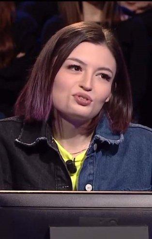 Youtuber Meryem Can Kim Milyoner Olmak İster'e damga vurdu! Milyoner son bölüm soru ve cevapları...
