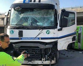 İzmit'te feci kaza! Halk otobüsüyle tır çarpıştı