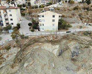 Tokat'ta iki bina çökme riski nedeniyle boşaltıldı, bina sakinleri içeri girmeye korkuyorlar