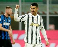 Juventus Inter'i yenerek avantaj yakaladı