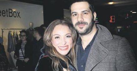 Erkan Erzurumlu ile aşk yaşayan Ziynet Sali, Ata Demirer'in Beşiktaş'taki gösterisindeydi