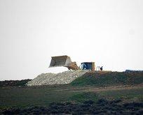 PKK/YPG'li teröristler hendek kazarken görüntülendi