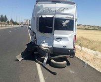Öğretmenleri taşıyan minibüs ile kamyonet çarpıştı