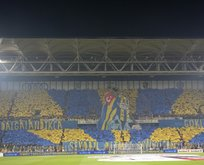Fenerbahçe taraftarından derbiye özel koreografi