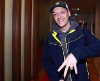 Mesut Özil transferinin yankıları İngiliz basınında yer aldı!