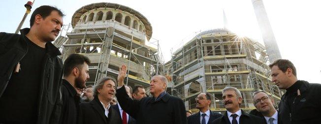 Başkan Erdoğan Taksim Camisi inşaatını gezdi