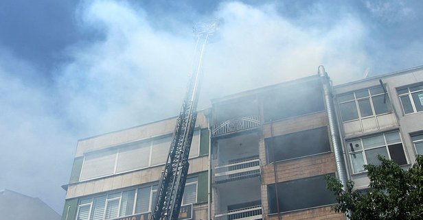 Beşiktaş'ta yangın paniği! Bir anda alevler yükseldi