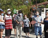 İzmir'de 20 yıllık çile! Vatandaşlar sinek avlıyor