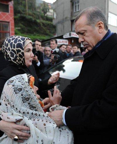 Başbakan Erdoğan Rize'de halkla bayramlaştı