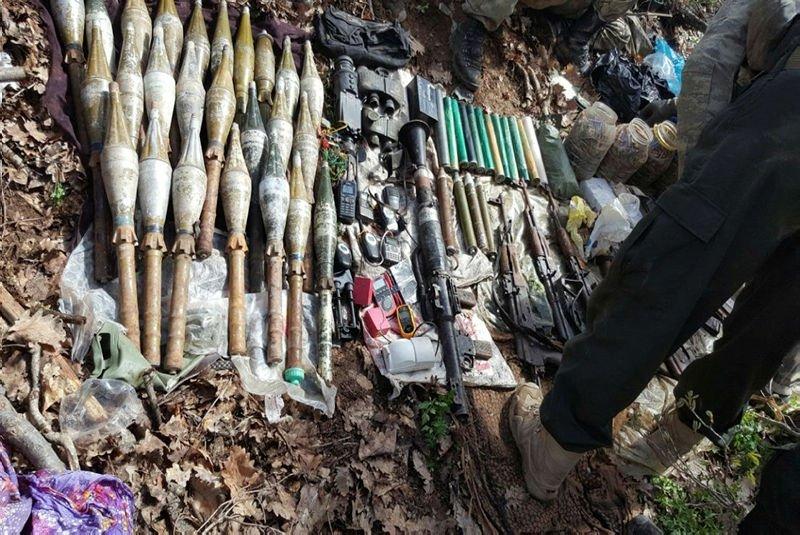 Tunceli'de terör örgütü PKK'nın cephaneliği ele geçirildi