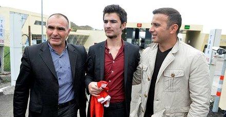 Başkan Erdoğan araya girmişti... Ermenistanda gözaltına alınan Umut Ali Özmen Türkiyeye geldi
