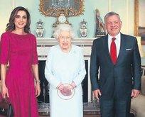 Kraliçe morardı