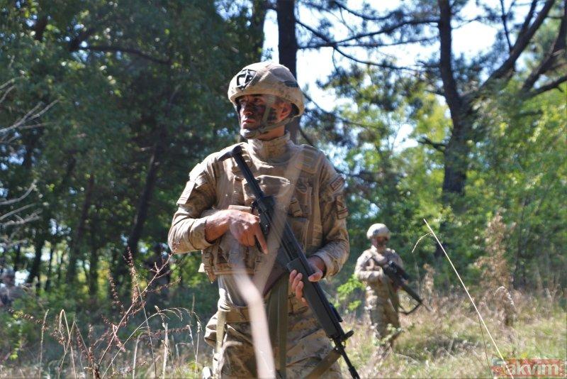 Dosta güven düşmana korku salıyor! İşte Türk komandosundan nefes kesen tatbikat