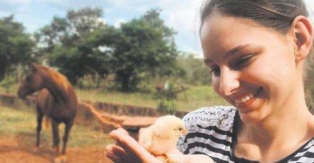 Eşi Hüseyin Kara ile memleketi Brezilya'ya giden Jessica May'ın keyfine diyecek yok