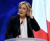 Fransa'da Le Pen'in dokunulmazlığı kaldırıldı