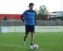 Beşiktaş genç oyuncuya imzayı attırdı
