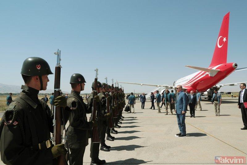 Başkan Erdoğan'dan Malazgirt Zaferi töreni öncesi anlamlı ziyaret