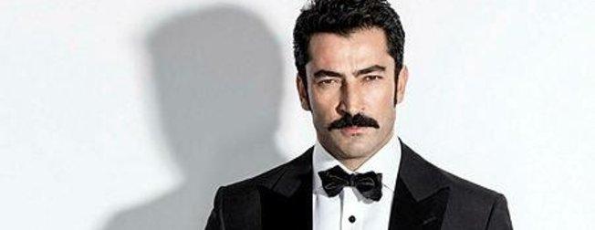 Yakışıklı oyuncu Kenan İmirzalıoğlu alışverişte görüldü... Karizmasıyla dikkat çekti...