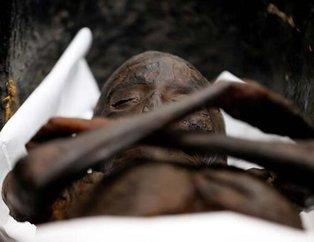 Mısır'daki lanetli Sennedjem mumyası açıldı! Keşfedenler bir bir ölmüştü