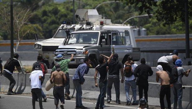 Venezuela'dan 15 Temmuz'u hatırlatan görüntüler