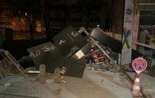 Başkentte korku dolu anlar! Üç katlı dükkan çöktü