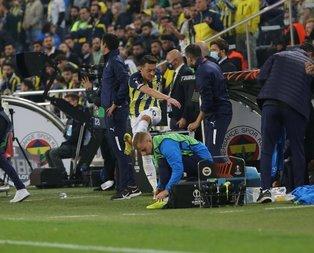 Mesut Özil çılgına döndü! Suları tekmeledi