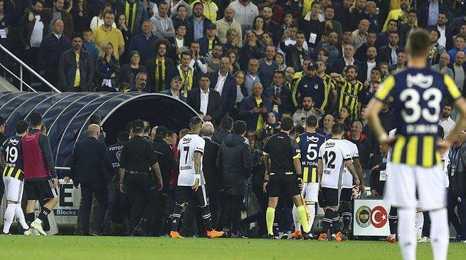 Fenerbahçe-Beşiktaş maçının saati belli oldu!