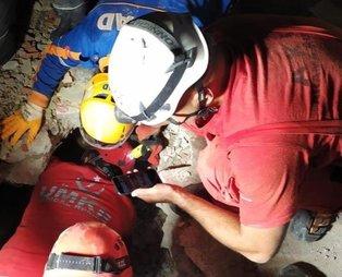 Sağlık Bakanı Koca'dan İzmir depremi sonrası açıklama: 21 can kaybımız var, 435 kişi halen tedavi görüyor.