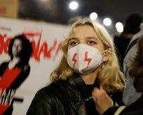 O ülkede halk, kürtaj yasağına karşı sokağa çıktı